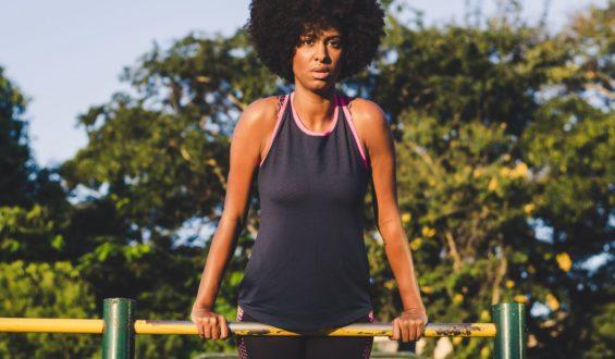 Trening mięśni brzucha deska